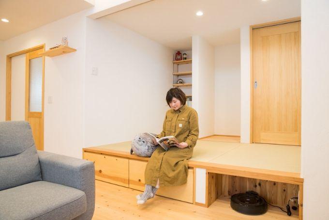 床下の収納も備え腰を掛けられる小上がりの和室/注文住宅実例