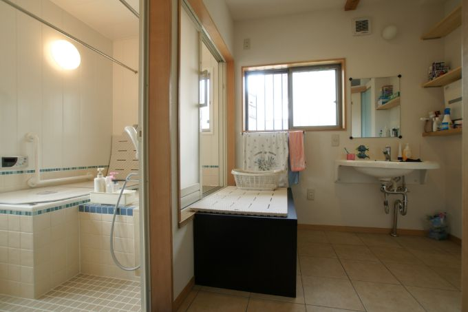 バリアフリーに考慮したお風呂場