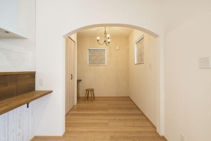 土地の形状を活かして設置したアトリエ兼書斎/注文住宅実例
