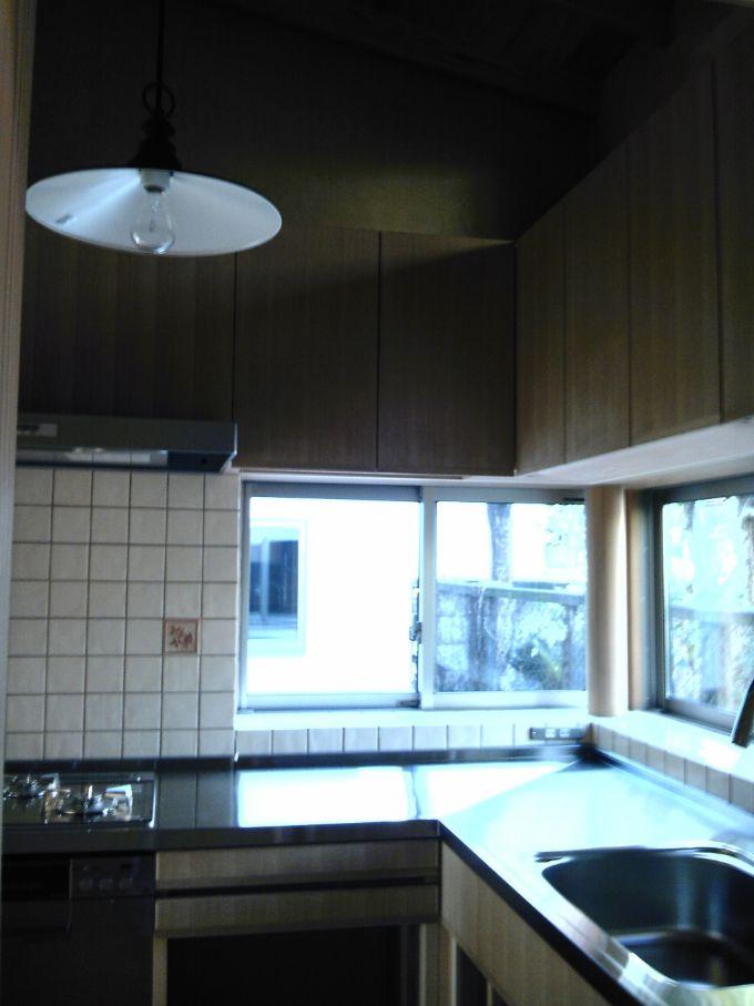 独立型のL型キッチンのある注文住宅実例