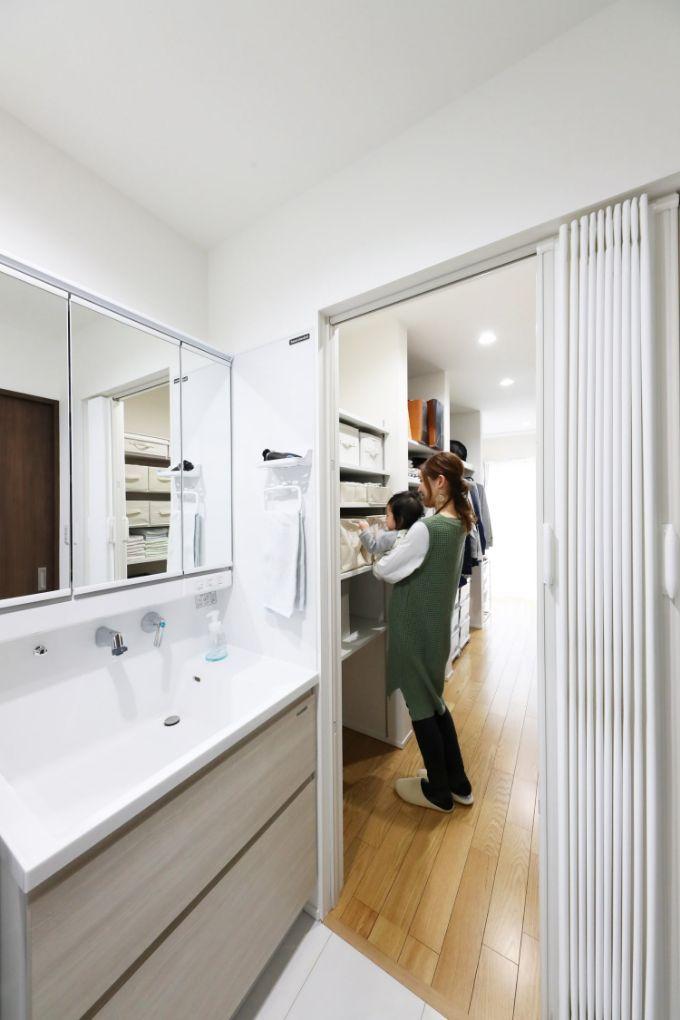 浴室や洗面室に直結しているウォークインクロゼット/注文住宅実例