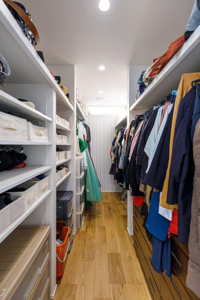 洗濯の後に衣類を収納できるウォークインクロゼットを組み込んだ/注文住宅実例