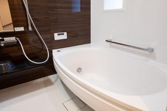 冬でも快適な広々とした浴室/注文住宅実例
