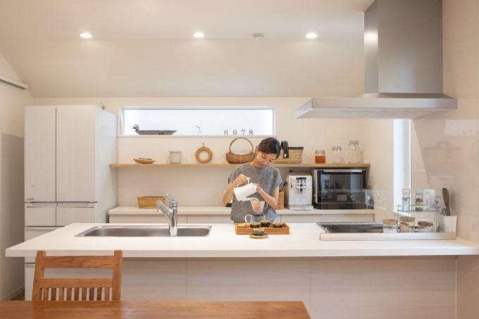 家族が家事に参加しやすいカウンターキッチン