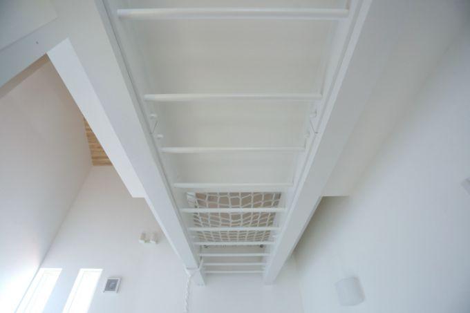 ホールに設置した雲梯/注文住宅実例