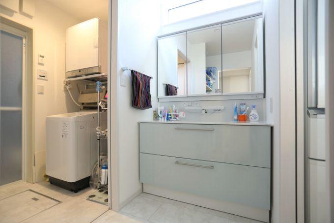 広々としている洗面室/注文住宅実例