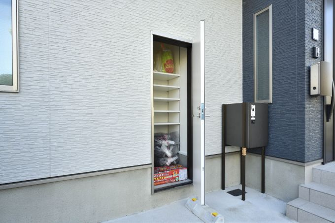 外部に設置した収納スペース/注文住宅実例