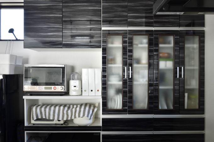 モノトーンでまとめたキッチン/注文住宅実例
