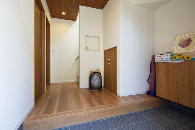和モダンな雰囲気の玄関/注文住宅実例