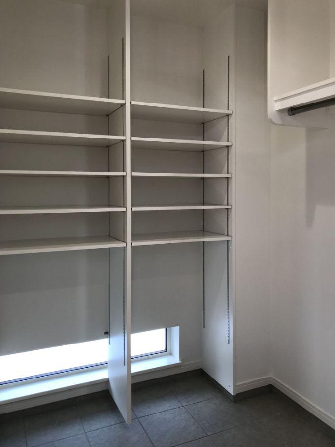 棚板の位置が変えられるシューズクロゼット/注文住宅実例