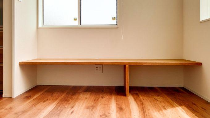 机を造作した部屋/注文住宅実例