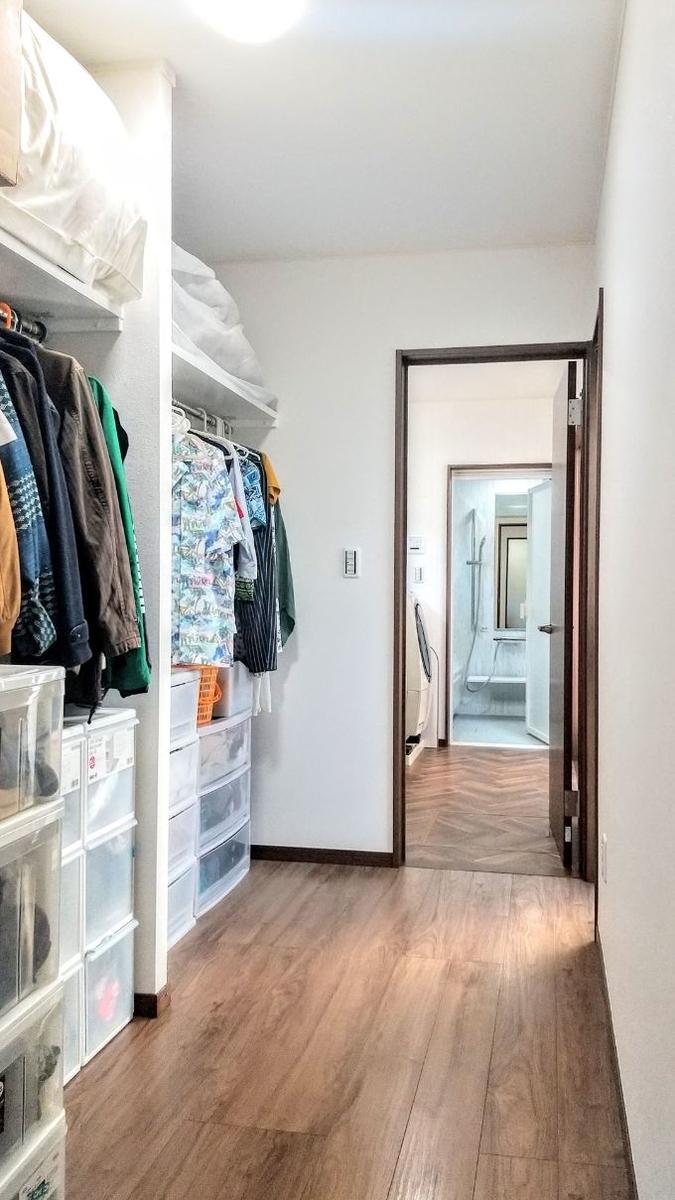洗濯動線を確保したウォークインクロゼット/注文住宅実例