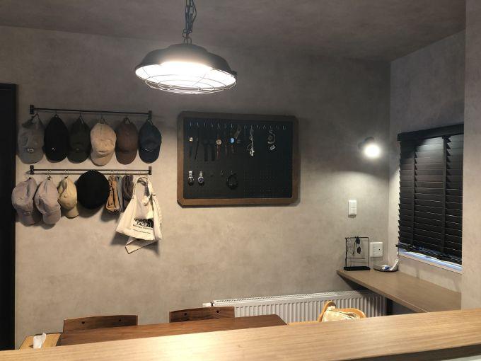 壁面をディスプレーとして活用したダイニング/注文住宅実例