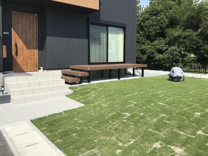 全面に芝生を張った庭/注文住宅実例
