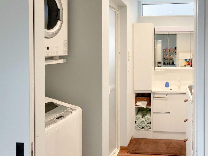 白ですっきりまとめた洗面室/注文住宅実例