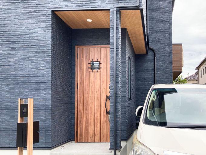 駐車スペースを広くとった/注文住宅実例