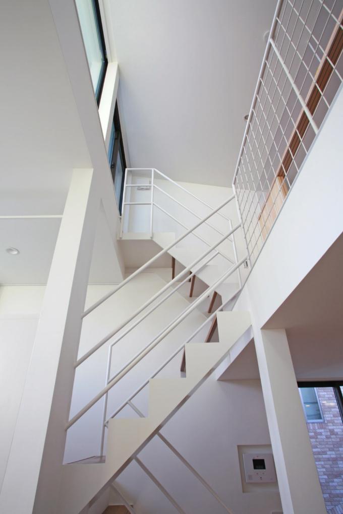 ハイサイドライトのある階段