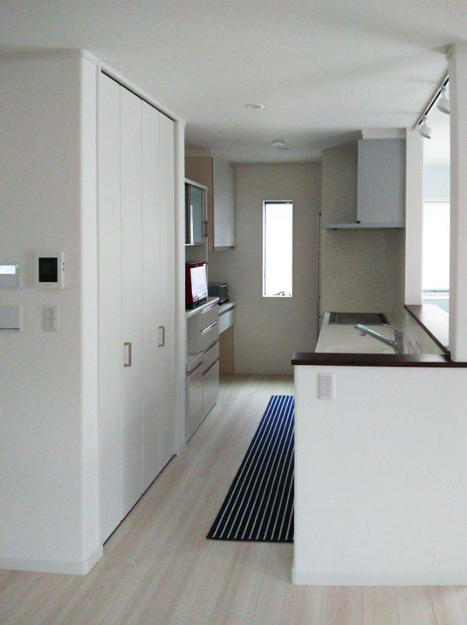 作業効率を考えた配置のキッチン/注文住宅実例