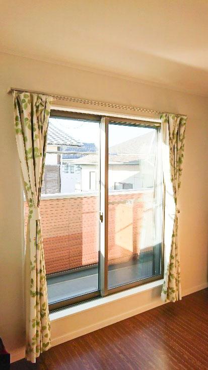 掃き出し窓からの採光がよい洋室/注文住宅実例