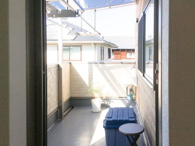 日当たりのよい広いバルコニー/注文住宅実例
