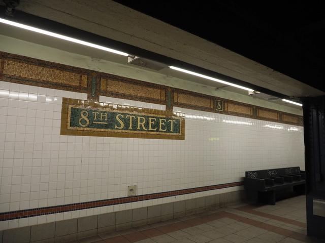 ニューヨークの地下鉄の壁面