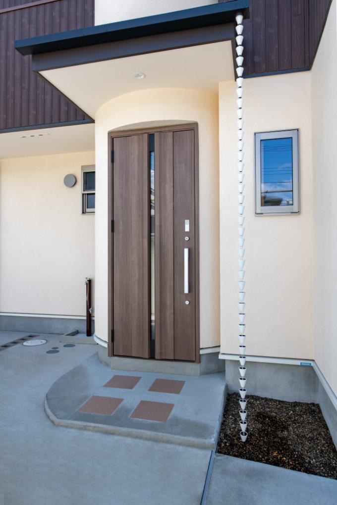 玄関の建具
