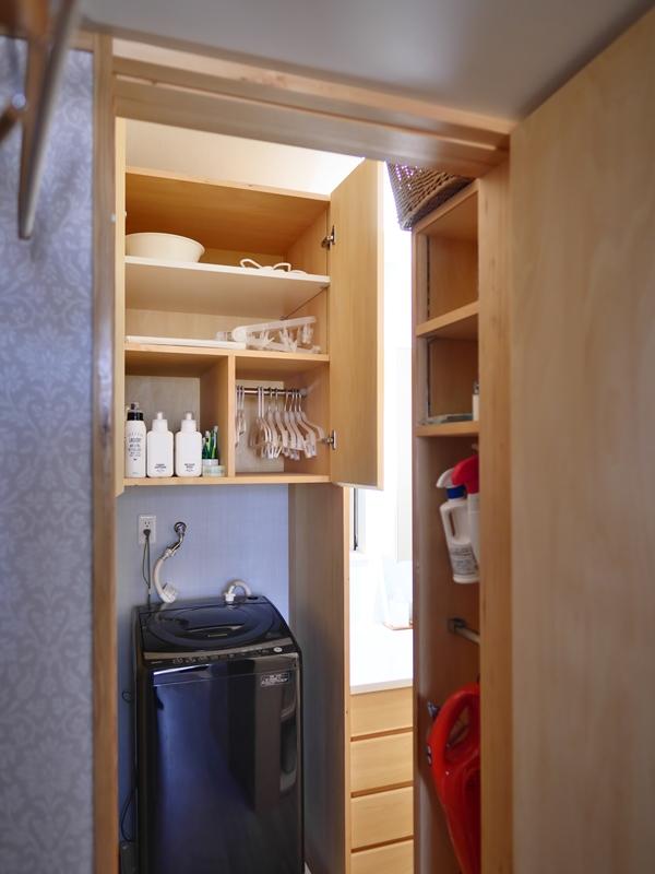 洗濯に使う道具の収納スペース