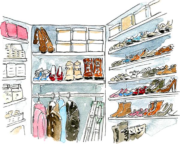 たくさんの靴や上着が収納されているシューズクローク