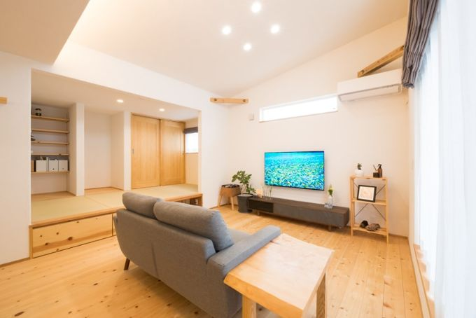 リビングと隣接している小上がりの和室/注文住宅実例