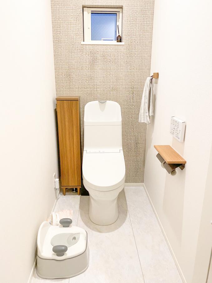 アクセントクロスを使用したトイレ/注文住宅実例