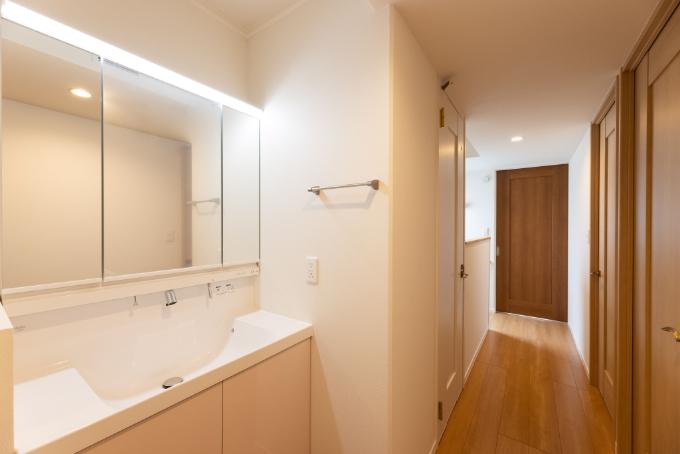 2階に設けた洗面所/注文住宅実例