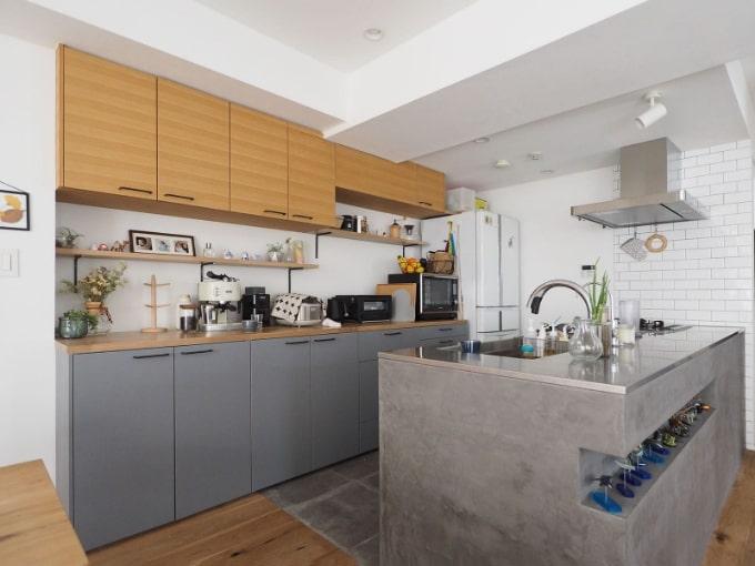モルタルで仕上げたキッチンの実例