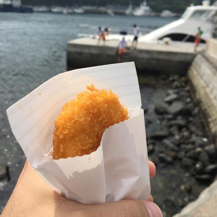 伊豆大島の波浮港のコロッケ