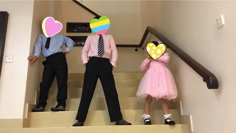三兄弟がドレスアップした姿
