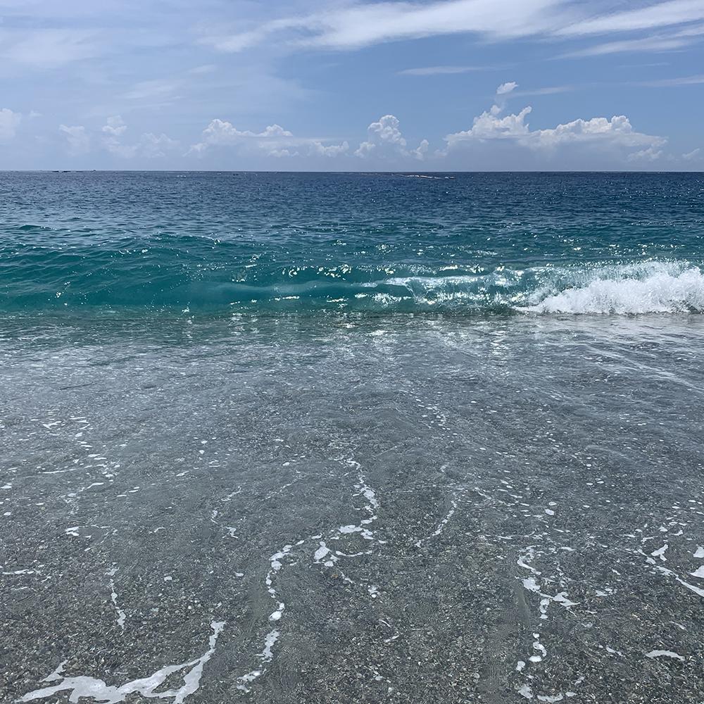 七星潭の美しい海。水も真っ青!空も真っ青!