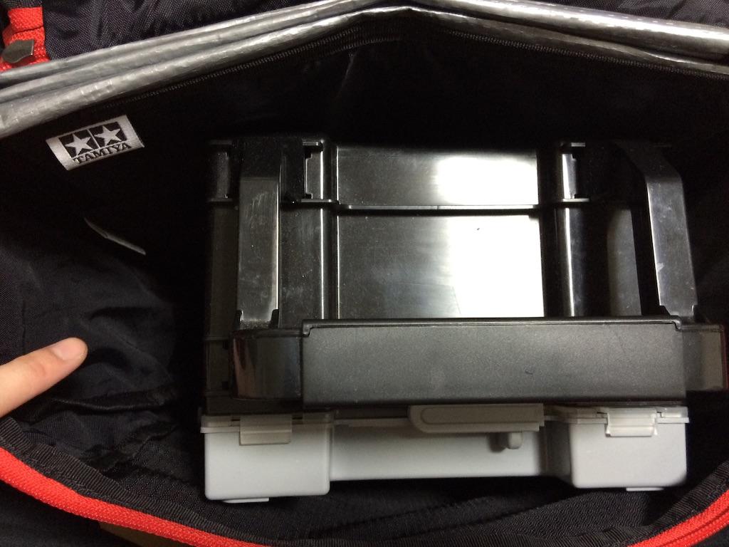 ポータブルピットを入れてみました。入れた状態を上から撮影。まだ若干余裕があります。