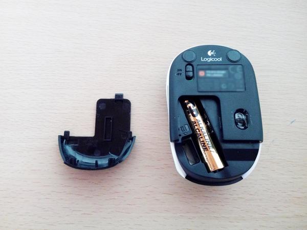 ロジクールワイヤレスマウス電池大きさ