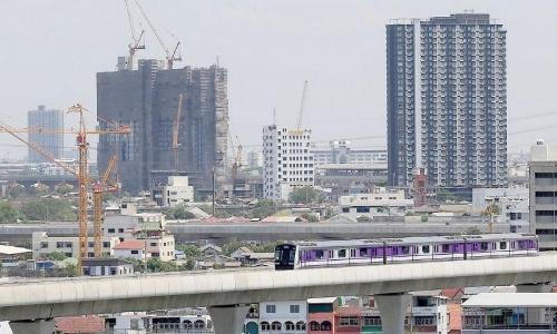 MRTの高架線画像
