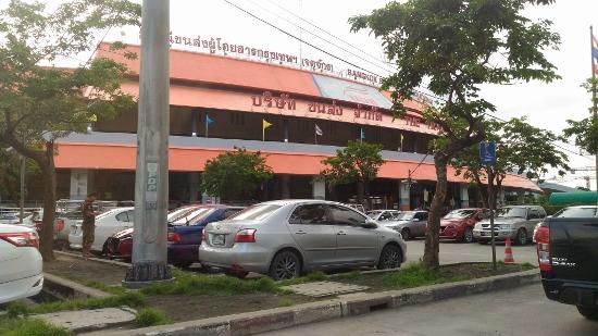 バンコクのモチットバスターミナル画像