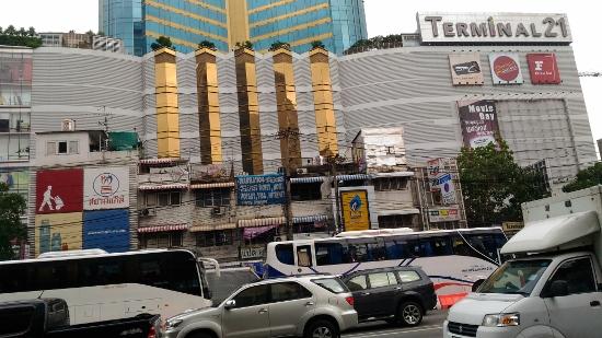 バンコクのターミナル21画像