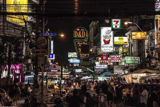 バンコクのカオサン通り画像