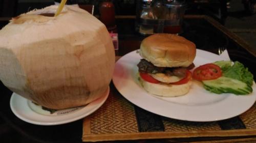 プノンペンのハンバーガー画像