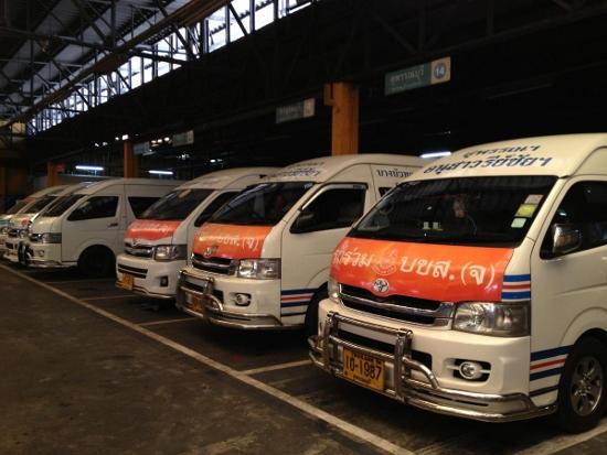 タイのミニバス画像