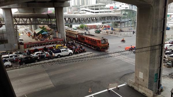 タイ国鉄のディーゼル車両画像