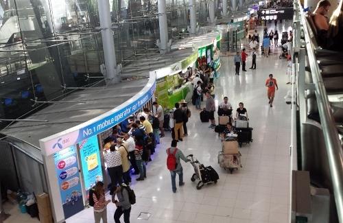 スワンナプーム空港でSIMカード画像
