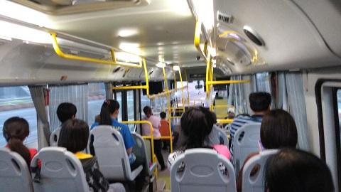 スワンナプーム空港のシャトルバス乗り場画像