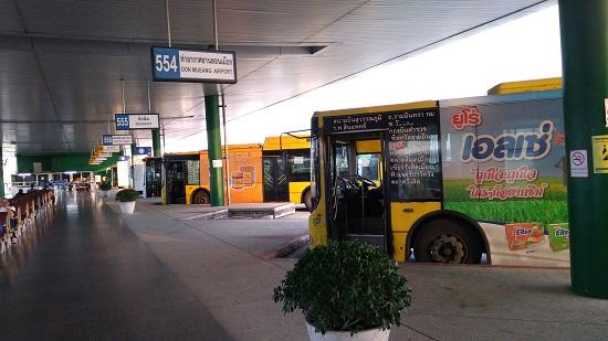 スワンナプーム空港のバスターミナル画像