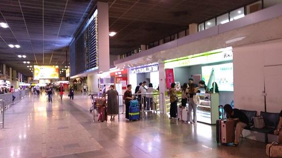 ドンムアン空港でSIMカード購入画像