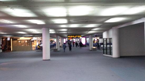ドンムアン空港の出発ロビー画像