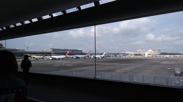 成田空港からLCCで行く画像
